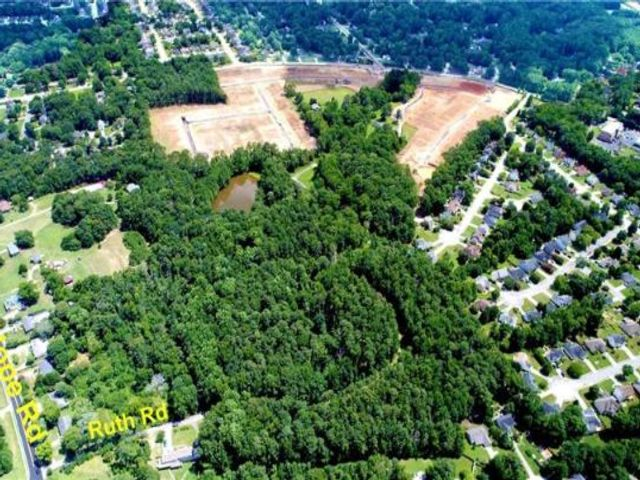 Lot <b>Size:</b> 10.75  Land style home in Lawrenceville