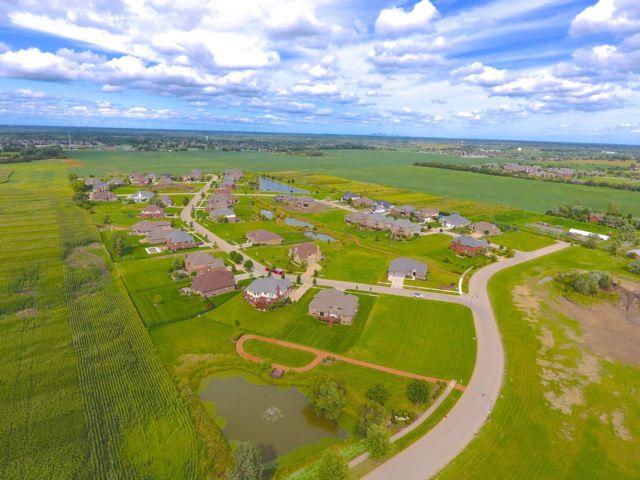 Lot <b>Size:</b> 0.47 Land style home in Homer Glen