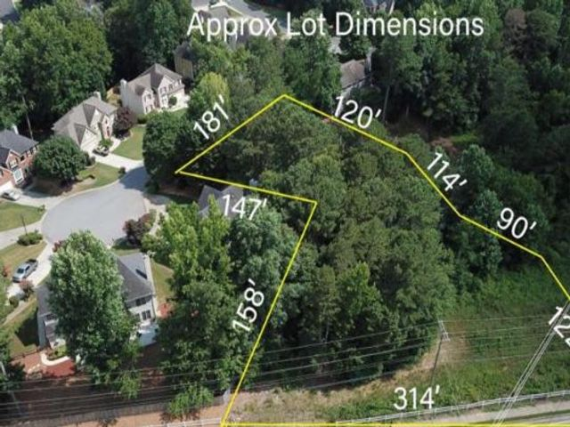 Lot <b>Size:</b> 1.55  Land style home in Lawrenceville