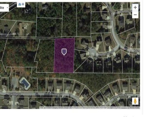 Lot <b>Size:</b> 1.5 Land style home in Powder Springs