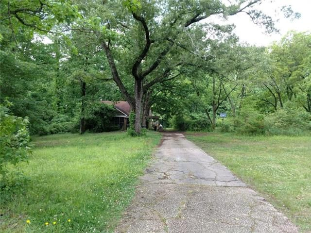 Lot <b>Size:</b> 14.94 Land style home in Mableton