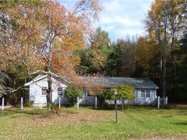 3 BR,  1.50 BTH  Ranch style home in Monticello