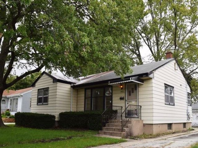3 BR,  1.50 BTH Ranch style home in Des Plaines