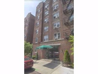 2 BR,  1.00 BTH Co-op style home in Kensington