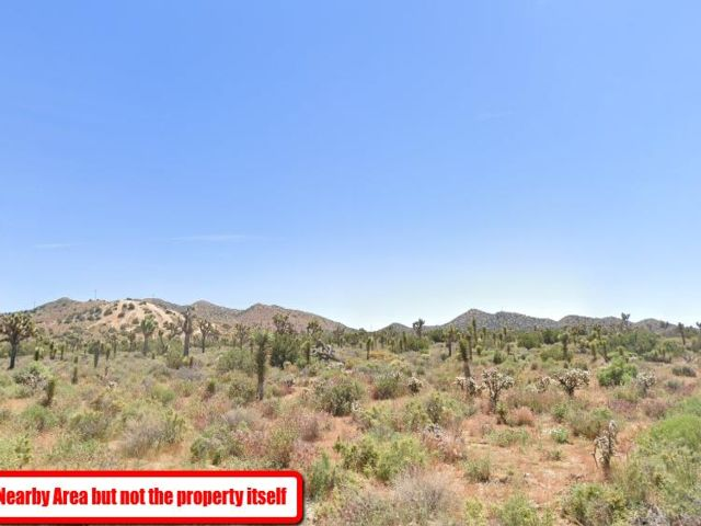 Lot <b>Size:</b> 5 Land style home in Yucca Valley