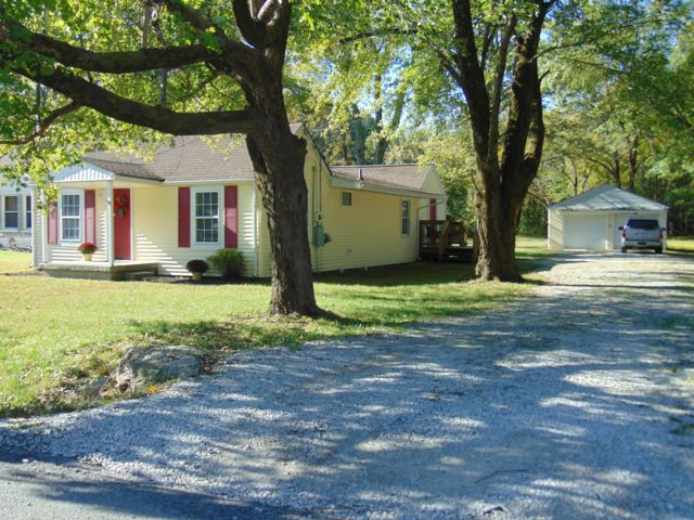 3 BR,  2.00 BTH Bungalow style home in Fairdale