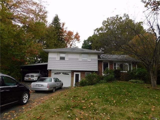 3 BR,  2.00 BTH  Split level style home in New Windsor