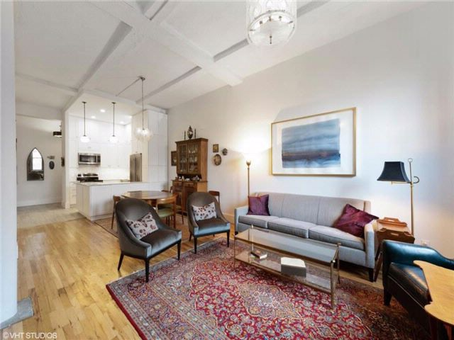2 BR,  2.00 BTH  Co-op style home in Brooklyn Heights