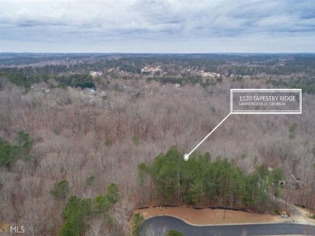 Lot <b>Size:</b> 1  Land style home in Lawrenceville