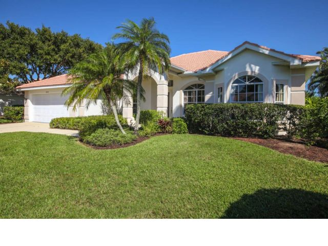 4 BR,  3.00 BTH  Contemporary style home in Sarasota