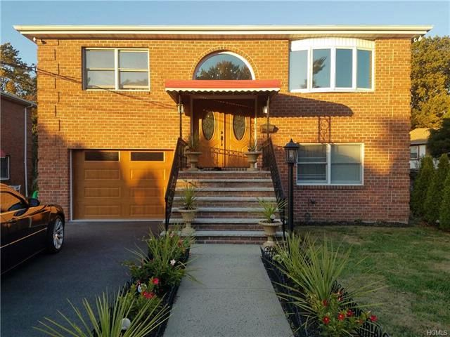 4 BR,  3.00 BTH Raised ranch style home in Yonkers