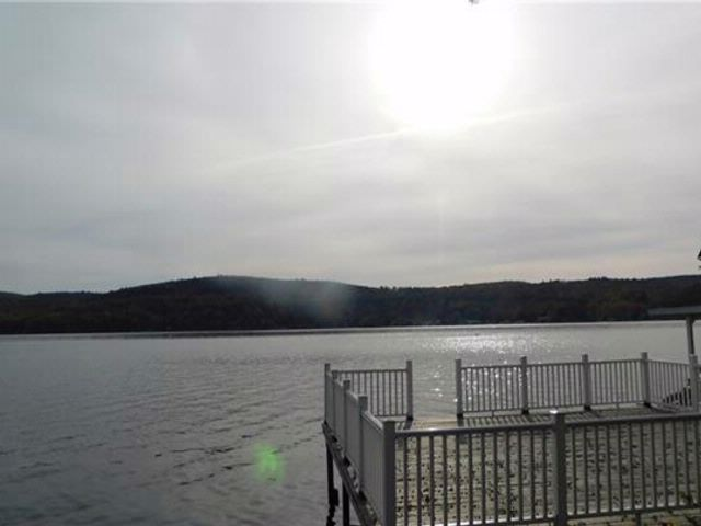 7 BR,  2.00 BTH Capecod style home in Greenwood Lake