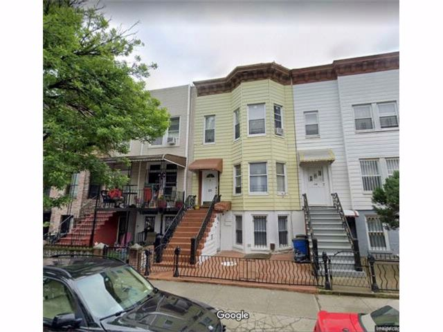 7 BR,  3.00 BTH Other style home in Bushwick