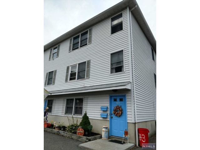 3 BR,  1.00 BTH 2 family style home in Kearny