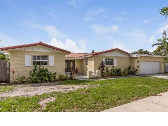 4 BR,  3.00 BTH  style home in Miami