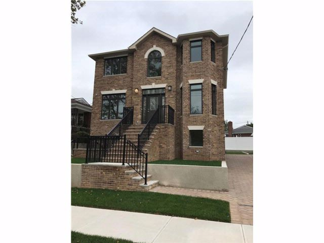 4 BR,  4.00 BTH Single family style home in Grasmere