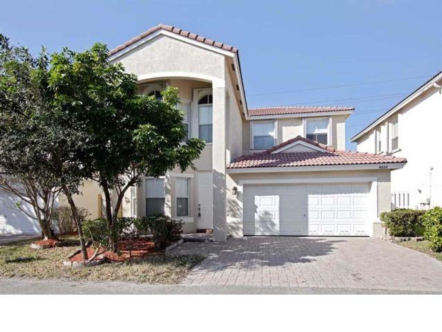 4 BR,  3.00 BTH  style home in Dania