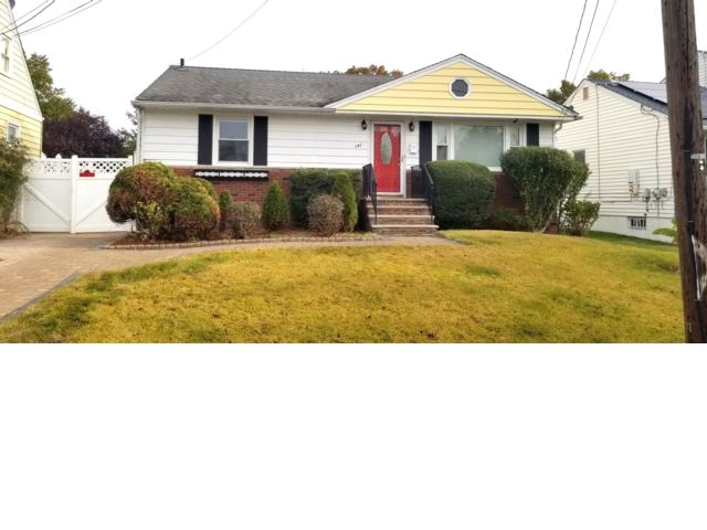 3 BR,  1.50 BTH Cape style home in Rahway