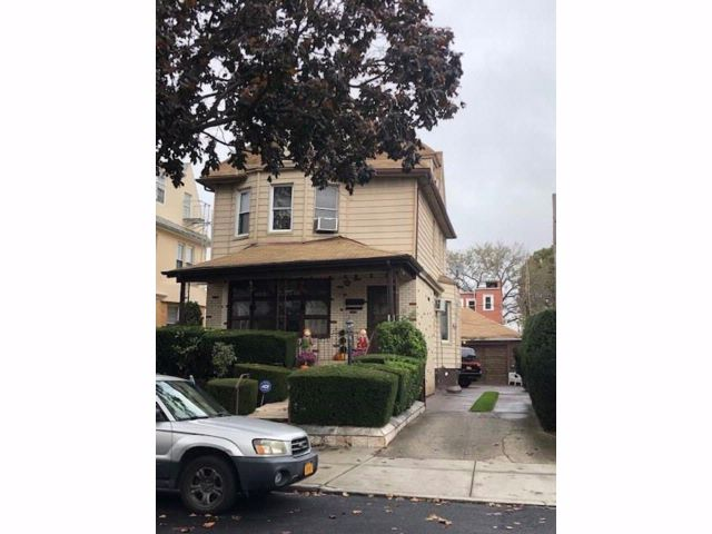 5 BR,  2.00 BTH  Single family style home in Bensonhurst