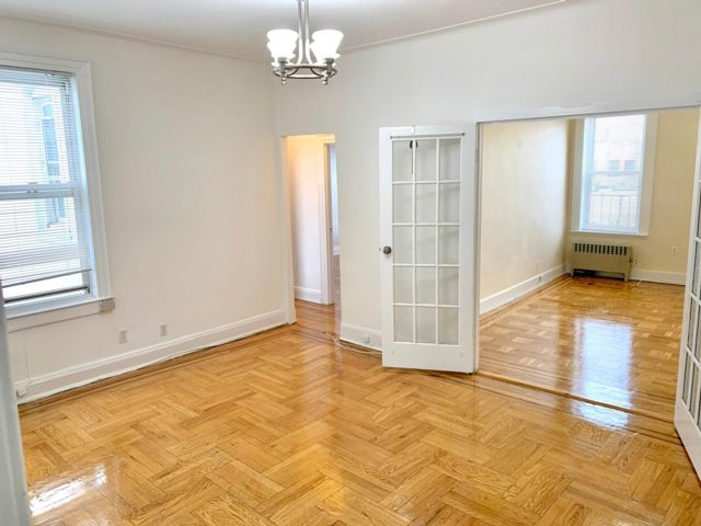 2 BR,  1.00 BTH  Rental style home in Bay Ridge