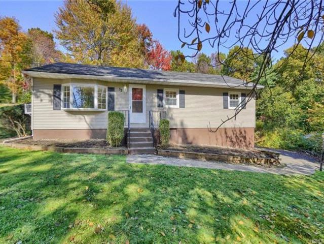 3 BR,  2.00 BTH  Ranch style home in Newburgh
