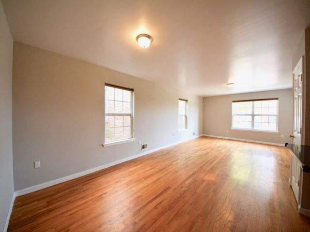3 BR,  2.00 BTH  style home in Bayonne