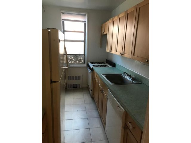 2 BR,  2.00 BTH  style home in Briarwood