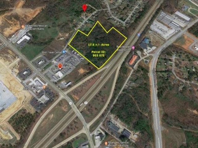 Lot <b>Size:</b> 17.56 Land style home in Braselton