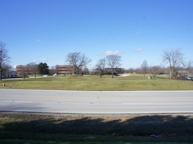 Lot <b>Size:</b> 2.23 Land style home in Olympia Fields