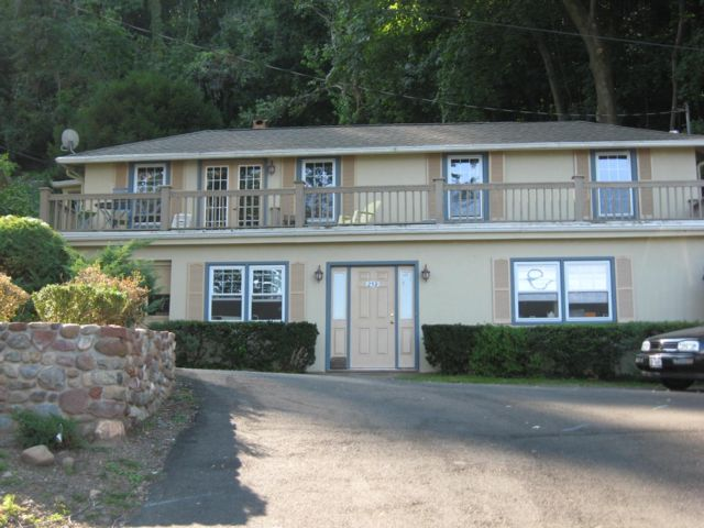 3 BR,  2.00 BTH Townhouse style home in Grandview On Hudson