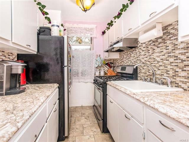 2 BR,  1.00 BTH Mid rise style home in Bronxville