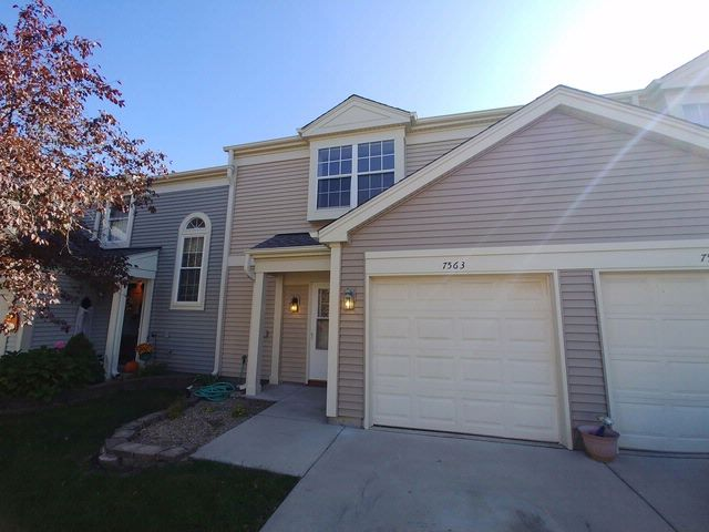 3 BR,  1.50 BTH House style home in Hanover Park