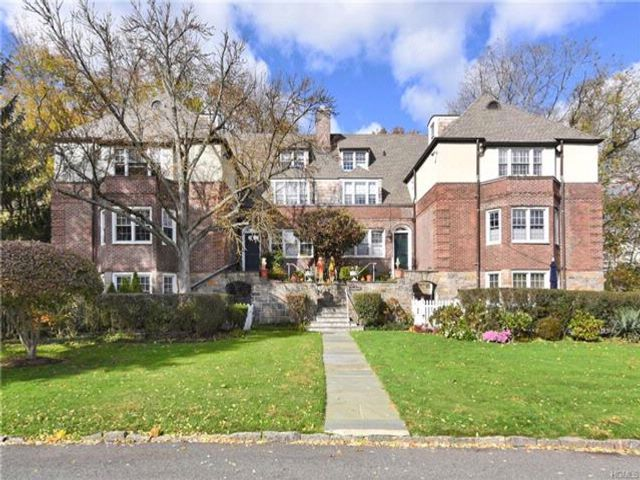 2 BR,  2.00 BTH  Garden apartmen style home in Scarsdale