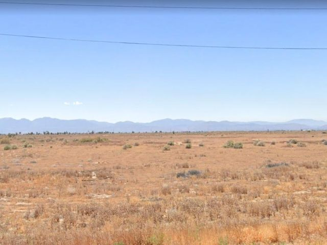 Lot <b>Size:</b> 9.42 Land style home in Lancaster