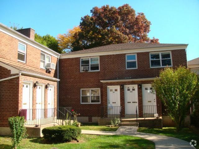1 BR,  1.00 BTH   style home in Grymes Hill