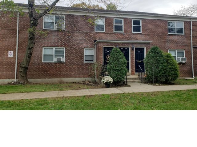 [Grymes Hill Real Estate, listing number 6939205]