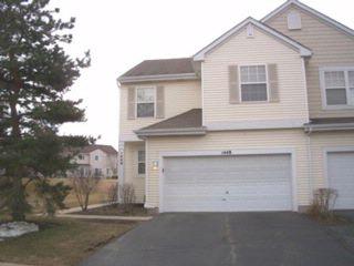 2 BR,  2.50 BTH Condo style home in Carpentersville