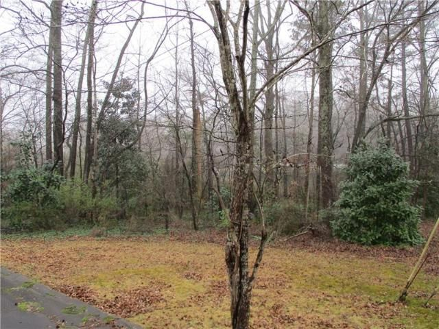 Lot <b>Size:</b> 0.24  Land style home in Austell