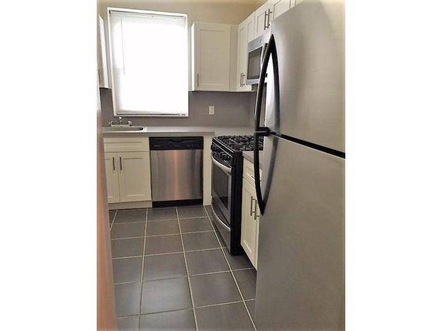 2 BR,  2.00 BTH  Apartment style home in Jamaica Estates