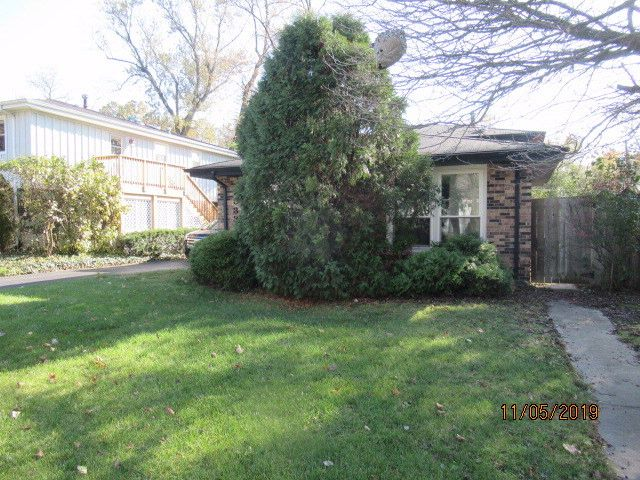 4 BR,  2.00 BTH Tri-level style home in Homewood