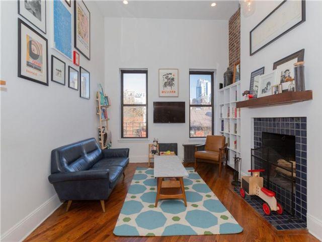 2 BR,  1.00 BTH Condominium style home in Cobble Hill
