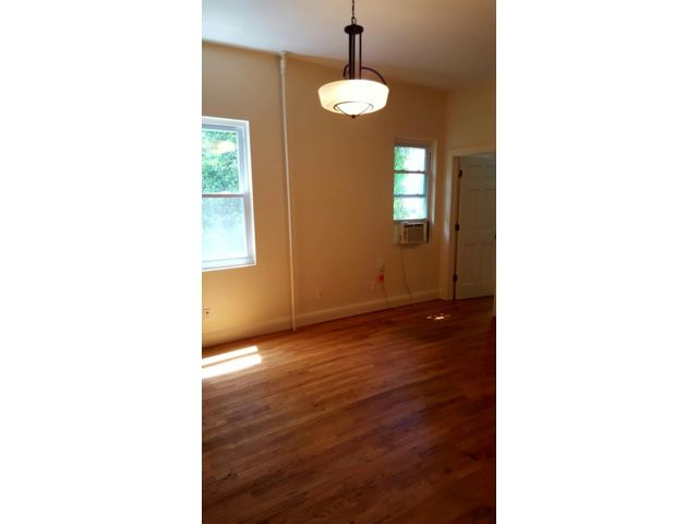 1 BR,  1.00 BTH Apartment style home in Sea Cliff