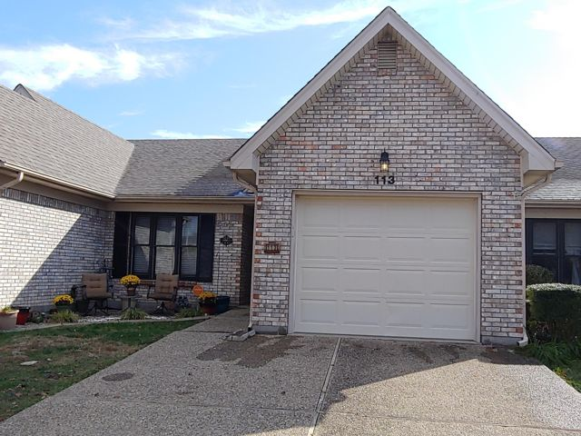 2 BR,  2.00 BTH  Other style home in Shepherdsville
