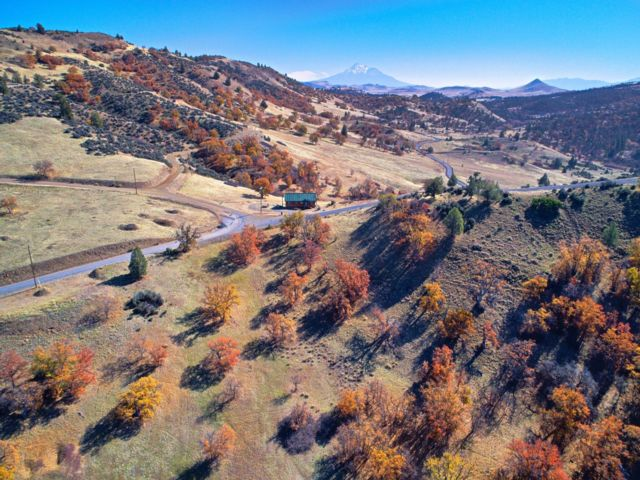 Lot <b>Size:</b> 3.3 Land style home in Hornbrook