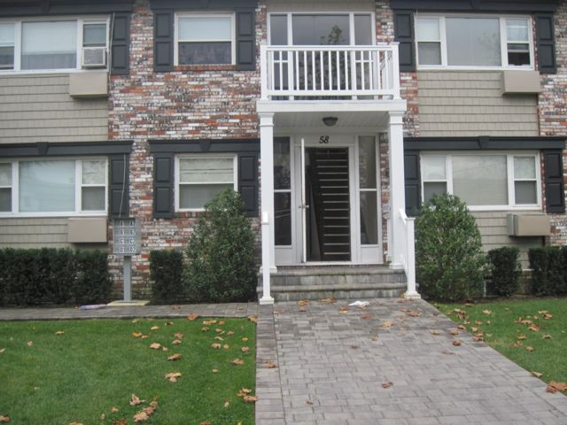 1 BR,  1.00 BTH  Apartment style home in Bay Shore