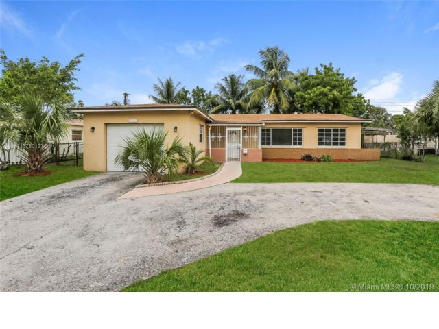 3 BR,  2.00 BTH  style home in Sunrise
