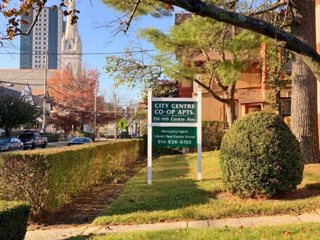 1 BR,  1.00 BTH Co-op style home in New Rochelle