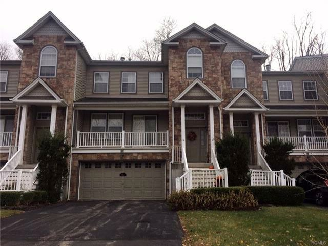 3 BR,  2.50 BTH Town house style home in Beacon