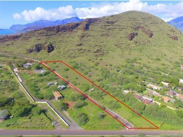Lot <b>Size:</b> 150238  Land style home in Waianae