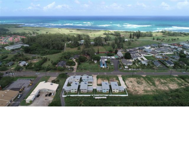 5 BR,  3.00 BTH 2 story style home in Kahuku